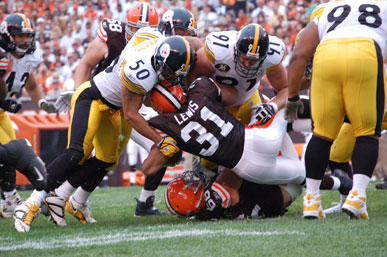 07_cleve_defense2_812601