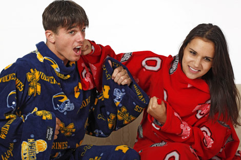 college-snuggies-ohio-state-vs-michigan
