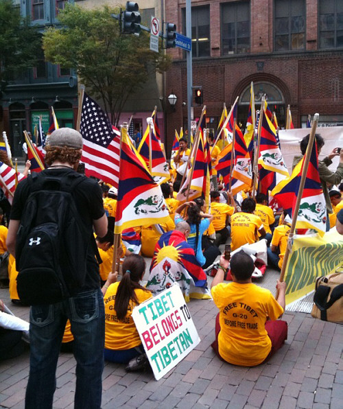 tibet-protesters_500
